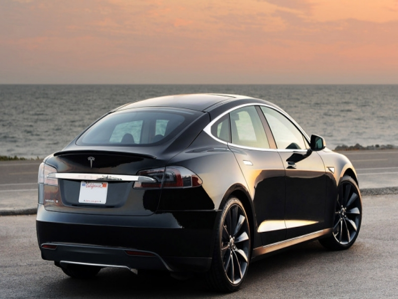 2016 Tesla Model S P90d Tesla Model S Fined For Excessive Emissions In Singapore Autoblog