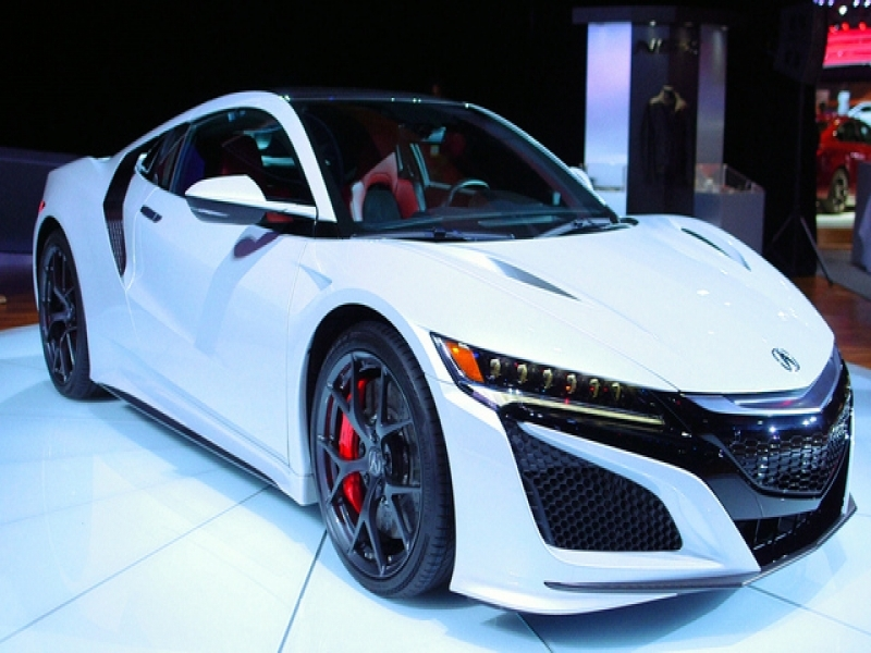 2017 Sport Cars The 2017 Acura Nsx Rubs Elbows With New Fans In Detroit Bloomberg