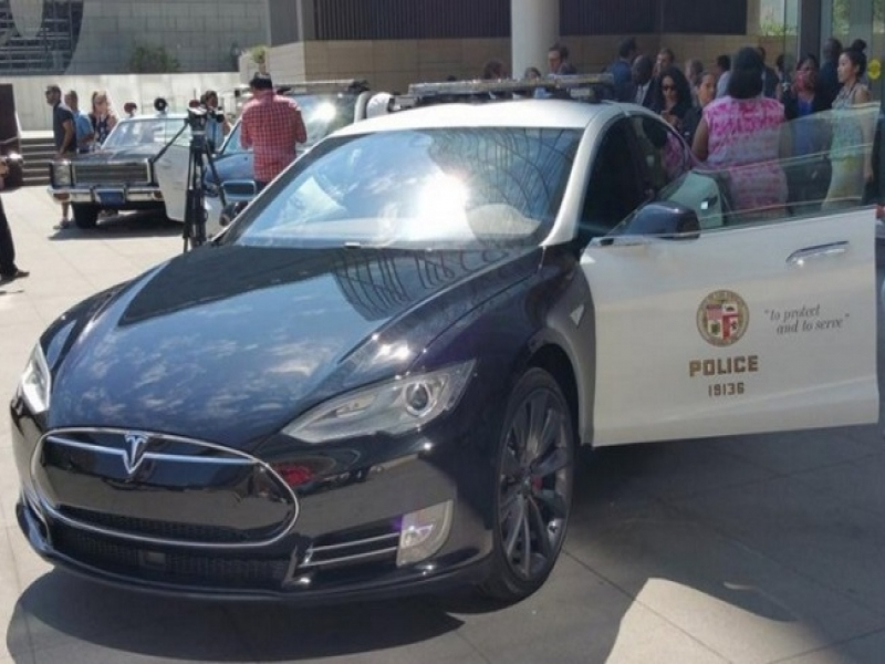 Cars In The News Tesla Model S Lapd Patrol Car News Pictures Digital Trends