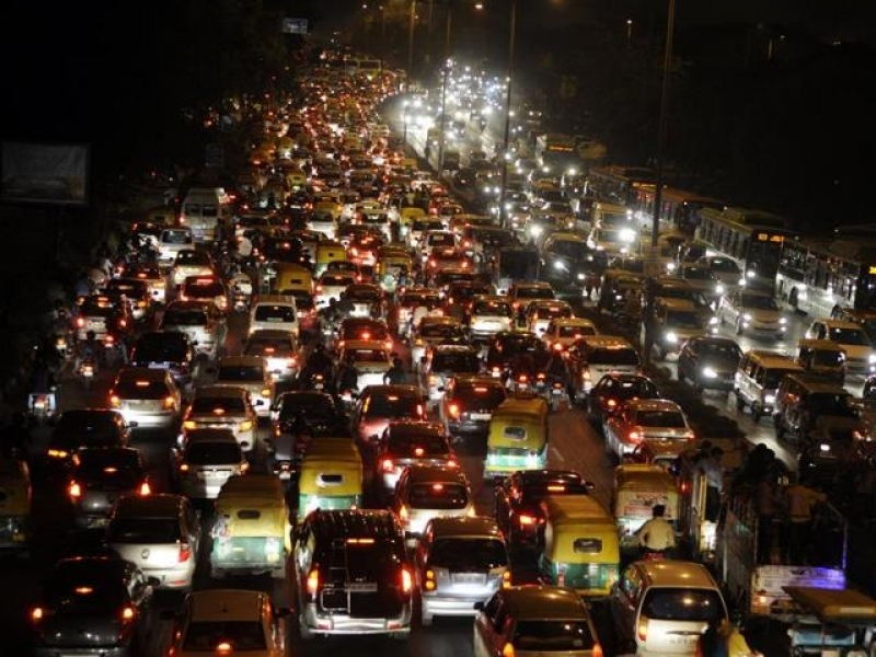 Number Of Cars On Road And Pollution Introduction Delhi Will Restrict Cars From Jan 1 To Cut Pollution May Face