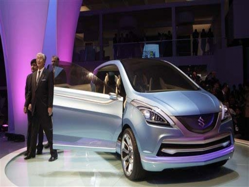 6 Seater Cars In India Maruti Unveils Six Seater Car