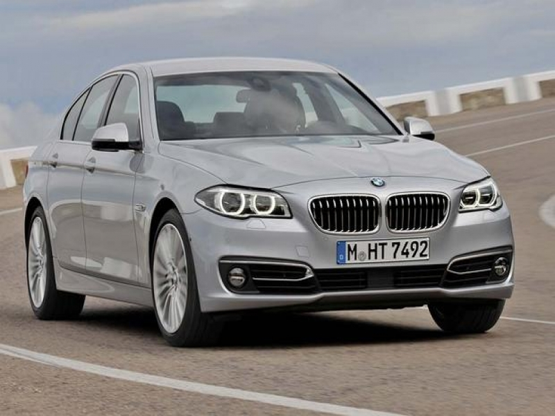 Bmw 2016 5 Series 2016 Bmw 5 Series Vs 2016 Mercedes Benz E Class Which Is Better