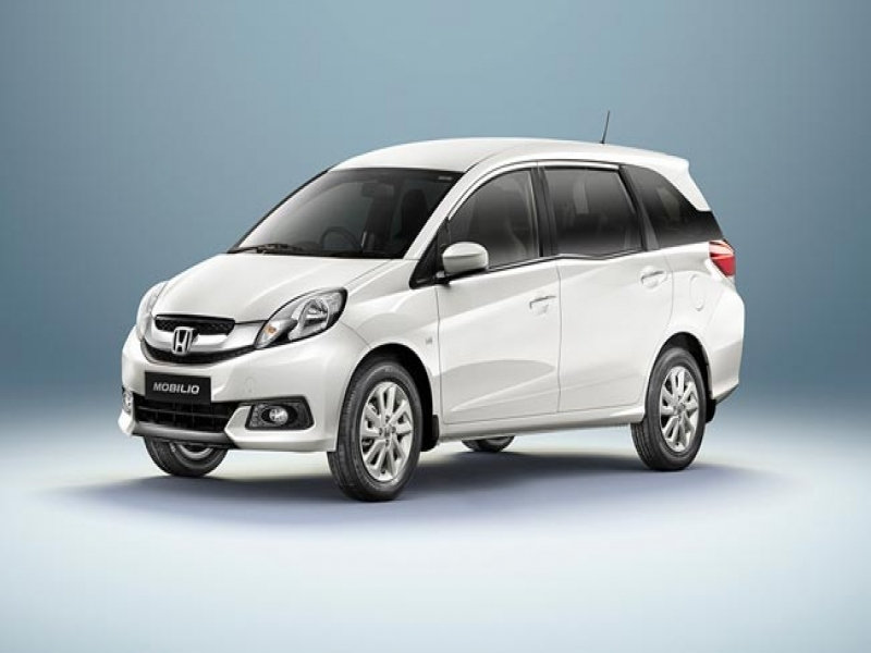 7 Seater Cars Vehicles Price Honda Launches Its 7 Seater Mpv Mobilio In India Starting At Rs