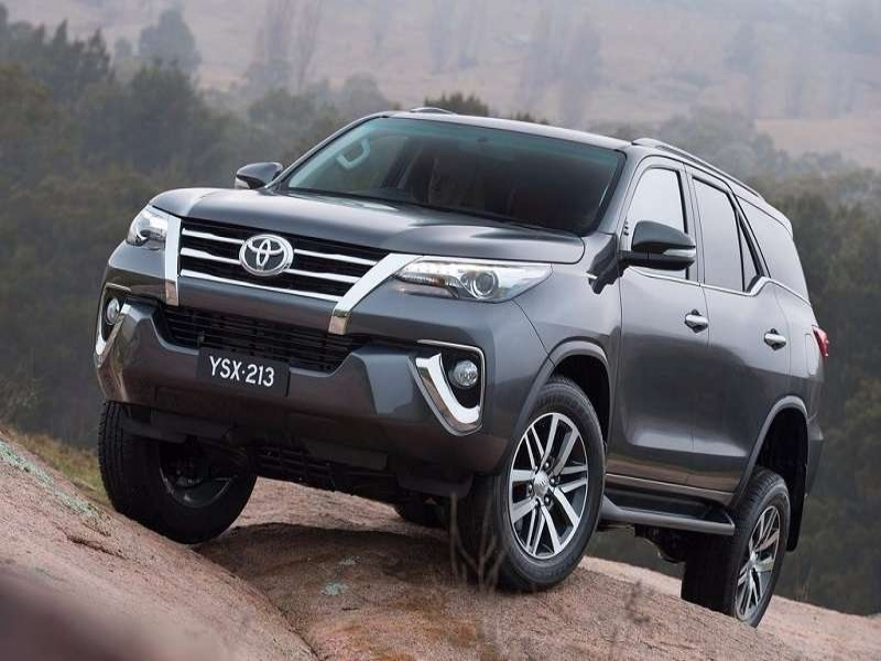 Best 2017 Cars Toyota Price New Toyota Fortuner India Price Specifications Mileage