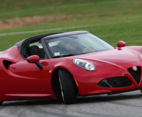 Alfa Romeo Offers the 4C for 2019