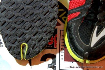 08-zapatillas trail brooks pure grit 2 fotos claudio luna carrerasdemontana (5)
