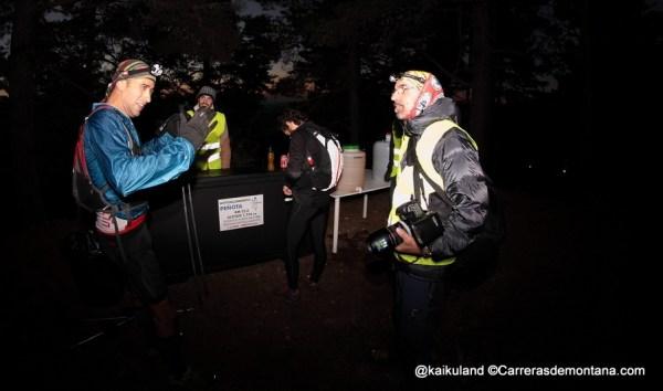 Luis Solá en los primeros km de GTR90, aun de noche.