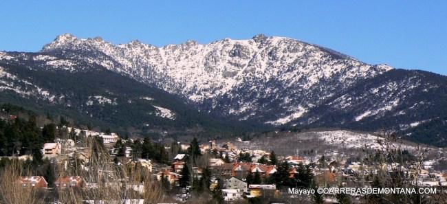 Panorámica invernal de La Sierra del Dragón sobre Cercedilla.