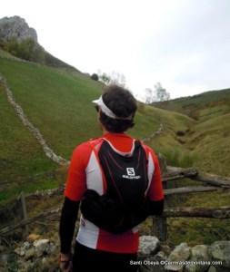 Santi Obaya mochila ultra trail salomon slab 5L
