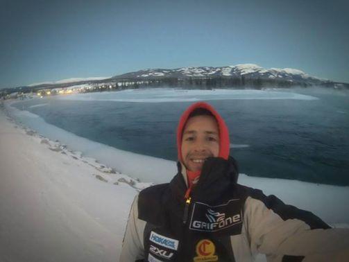 Joel Jaile nos manda este foto desde Alaska, antes de arrancar mañana su gran aventura.
