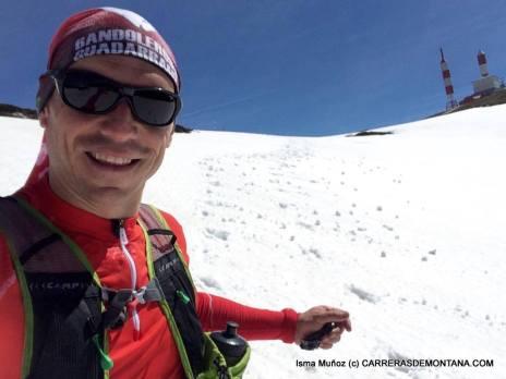 Camiseta Salomon Trail running Slab exo zip tee en las nieves del Guadarrama