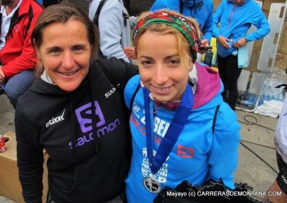 Nerea y Paula en Zegama Aizkorri 2015, celebrando el subcampeonato Europa skyrace de la pupila.