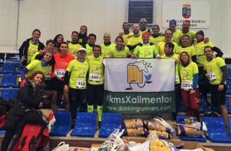 drinking runners recogida alimentos trail running madrid