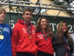 Dani Osanz y Laia Gonfaus ya con la medalla de Oro 🥇 colgada posando junto a los otros campeones. @fedme_es