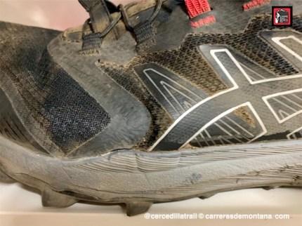 Zapatillas Asics Fuji Trabuco Pro (2)