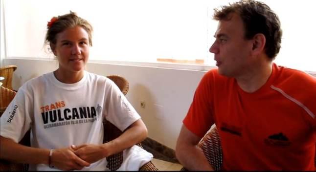 Emelie Forsberg y Mayayo. Entrevista en La Palma previa Transvulcania 2012.