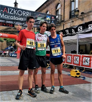 Zegama Aizkorri junior trail podio masculino
