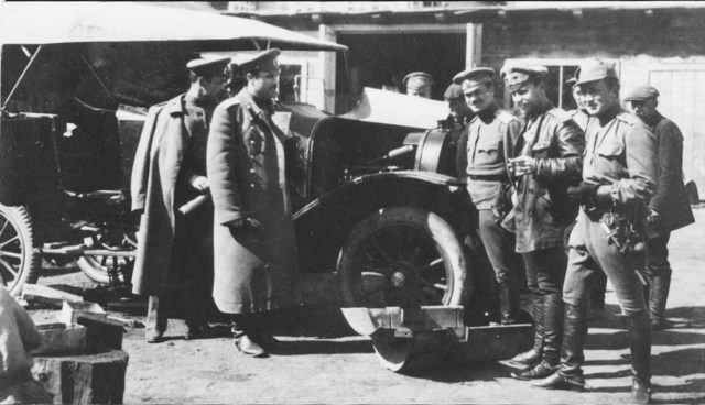 1914-1917.  Руссо-Балт Е 15/35 в действующей армии.