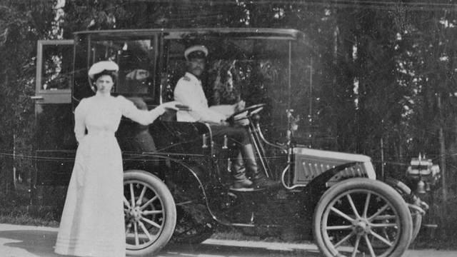 1903. Лимузин Richard-Brasier — один из первых автомобилей великого князя Михаила Александровича. Гатчина.