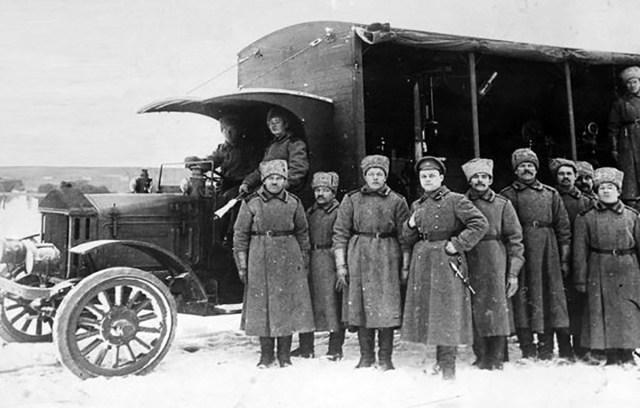 1917. Передвижная мастерская на базе грузовика Pierce-Arrow R-9. Русская армия.