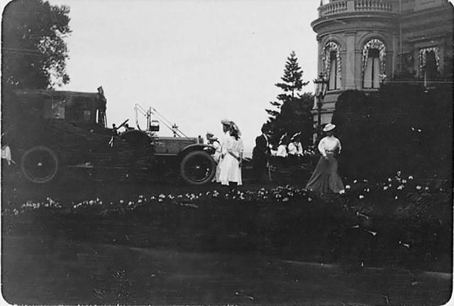 1908.  Автомобиль Delaunay-Belleville Великого князя Александра Михайловича.  Ай Тодор. Крым.
