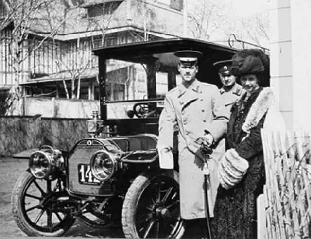 1914. Михаил Александрович и автомобиль марки Ля Бюир.