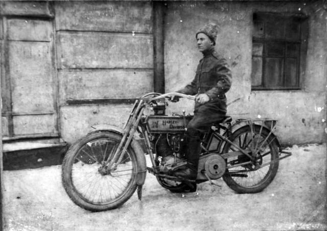 1914. Мотоцикл Harley-Davidson в Русской Императорской Армии.