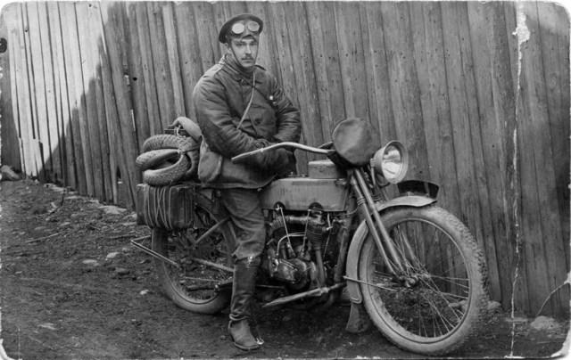 "1914. Юрий Валерианович Гаврилов в армии на мотоцикле Harley- Davidson 989 cc V-twin model ""J"". Москва."