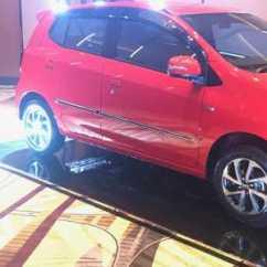 Perbedaan New Agya G Dan Trd Grand Veloz Vs Mobilio Rs Cvt Toyota Selisih Rp 20 Juta Inilah Tipe Dengan Melihat Ke Bawah S Menggunakan Pelek Berdiameter 14 Inci Sementara Untuk Varian Bermesin 1 200 Cc Facelift Ini Telah