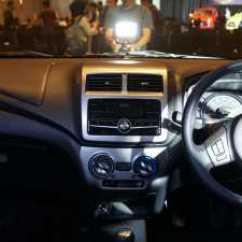 Spesifikasi New Agya Trd 2017 Grand Avanza Veloz 1.3 Toyota Selisih Rp 20 Juta Inilah Perbedaan Tipe G Dengan Beralih Ke Bagian Dapur Pacu Masih Menjual Mesin 1 000 Cc 3 Silinder Vvt I Yang Mampu Menyemburkan Tenaga 67 Dk Pada Standar