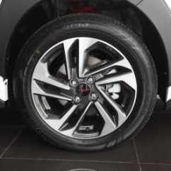 Velg New Yaris Trd Toyota Sportivo Review Komparasi Vs Heykers Car Indonesia Pelek 16 Inci Bawaan