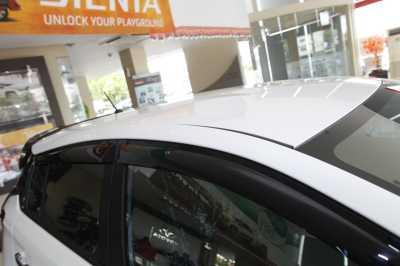 kekurangan all new yaris trd spesifikasi kijang innova diesel komparasi sportivo vs heykers car review indonesia tidak dilengkapi dengan roofrail
