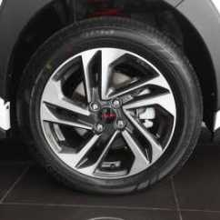 Toyota Yaris Trd Merah Jual All New Camry Komparasi : Sportivo Vs Heykers | Car ...