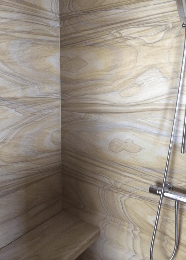 Douche en marbre