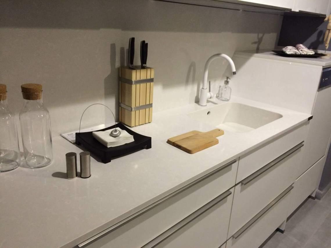 Plan de travail cuisine Quartz Silestone Yukon Blanco