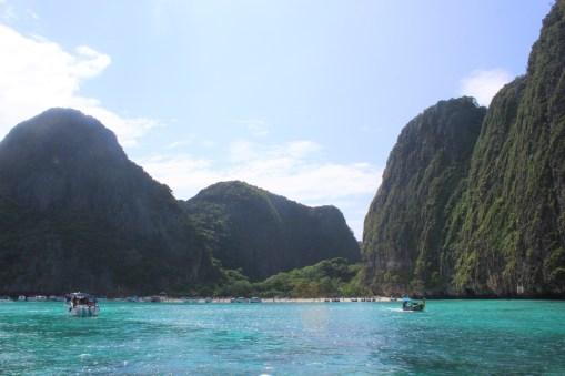 Mayabay-Maya-Bay-Koh-Phiphi-Thailand-carrieslifestyle-Tamara-Prutsch