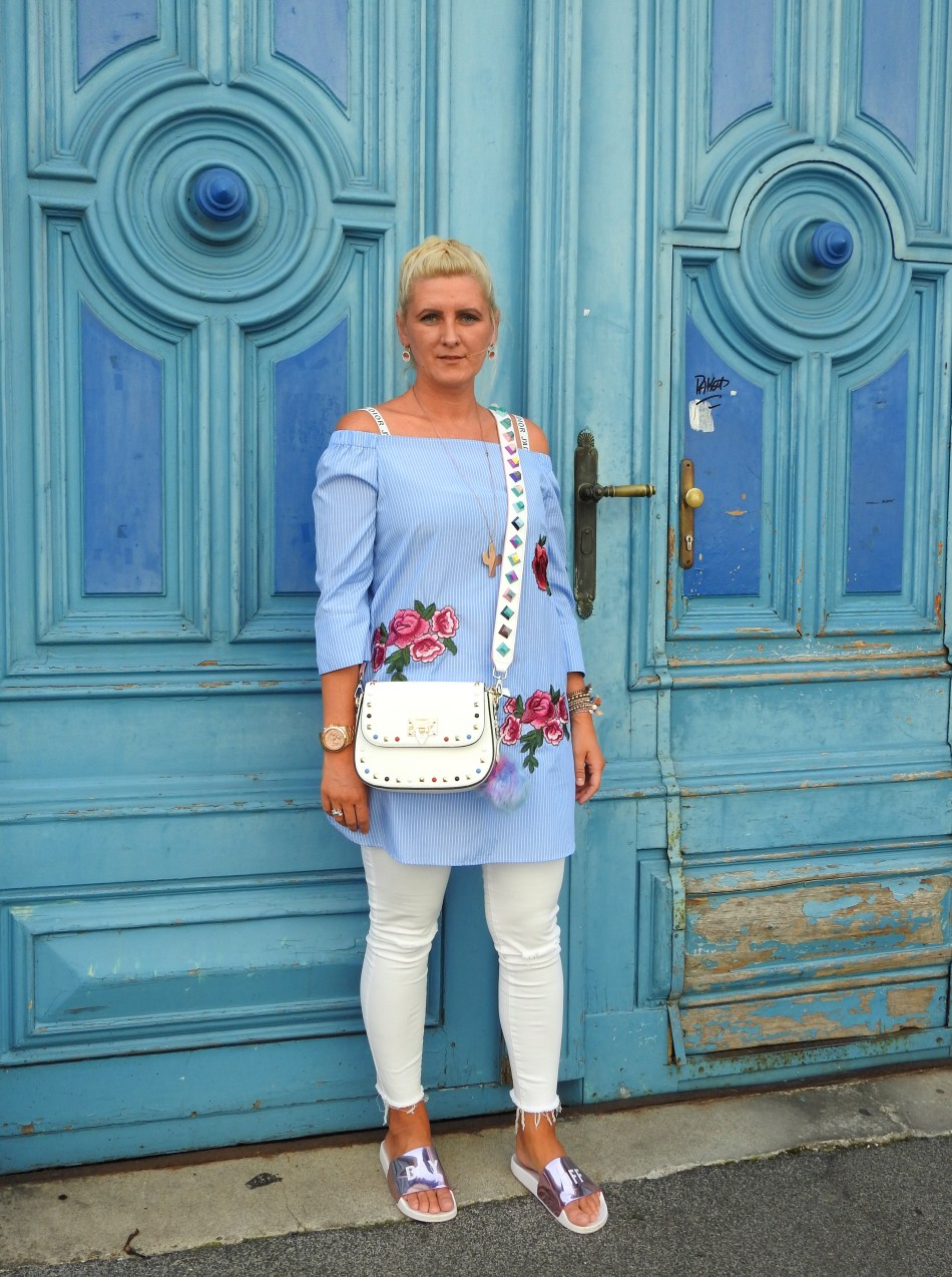 IdealofSweden-Cover-Handy-Valentino-Rockstud-Bagstrap-Dior-Bralette-Off-Shoulder-Blouse-White-Pants-carrieslifestyle-Tamara-Prutsch