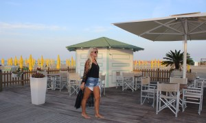 Grado-Strand-Spaziergang-Beach-Meer-Seaview-Sunrise-Tamara-Prutsch-Reisebericht-Reiseblog-Roadtrip-Italy-carrieslifestyle