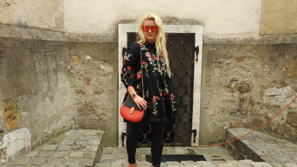 AllinBlack-Chloe-Bag-Drew-Mules-Gucci-Dress-Embroidered-carrieslifestyle-Tamara-Prutsch-Cluse-Watch