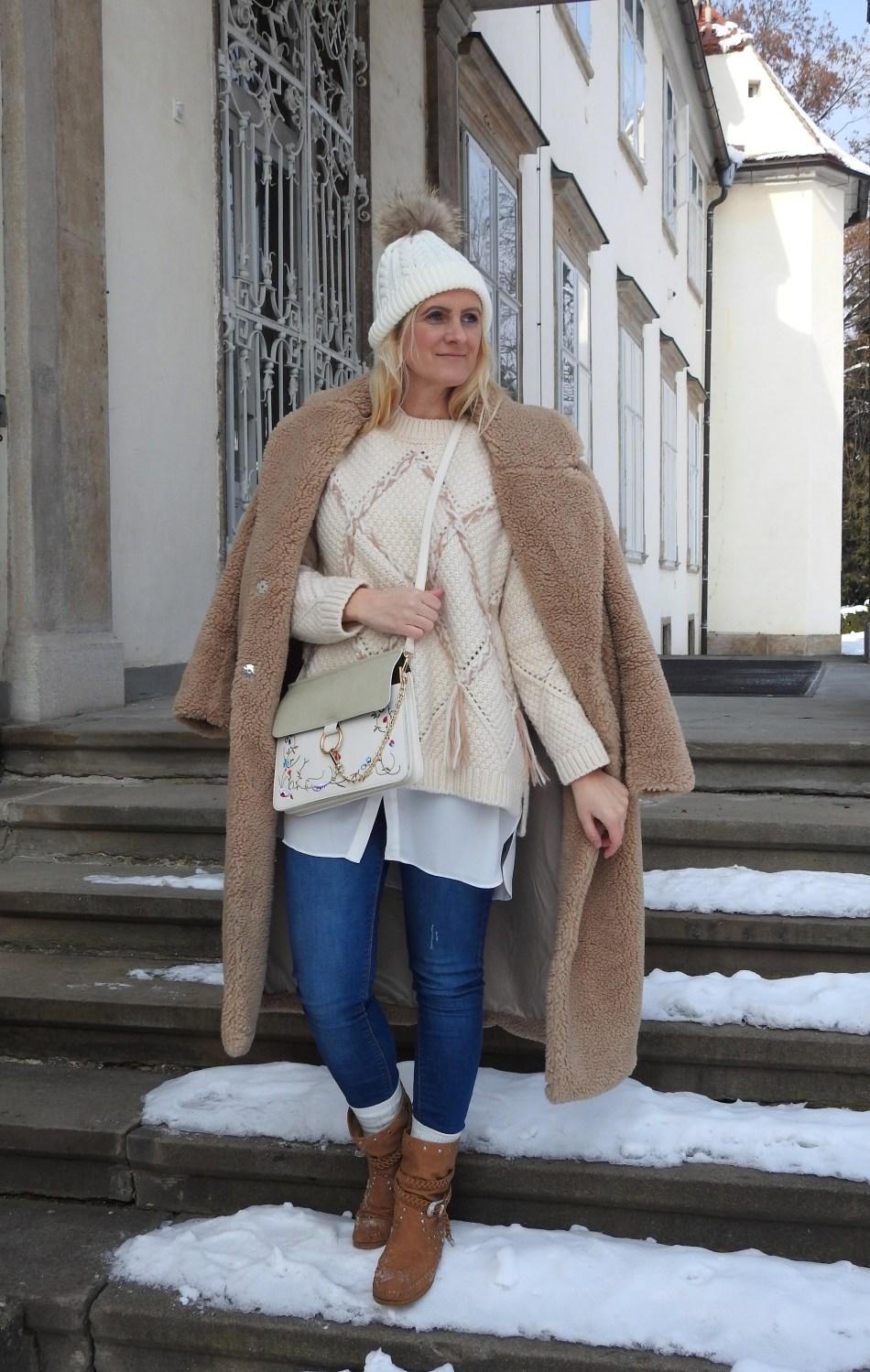 Tipps-gegen-Kälte-Frieren-Teddycoat-Teddy-Coat-Chloe-Bag-Winterlook-Blouse-White-Strickpullover-Sweater-carrieslifestyle-Tamara-Prutsch