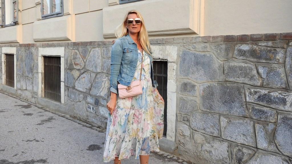 Maxidress_H&M-Gucci-Bag-Sandals-Zara-Fakefur-Fauxfur-Sunglasses-Gucci-Metallic-Denim-Jacket