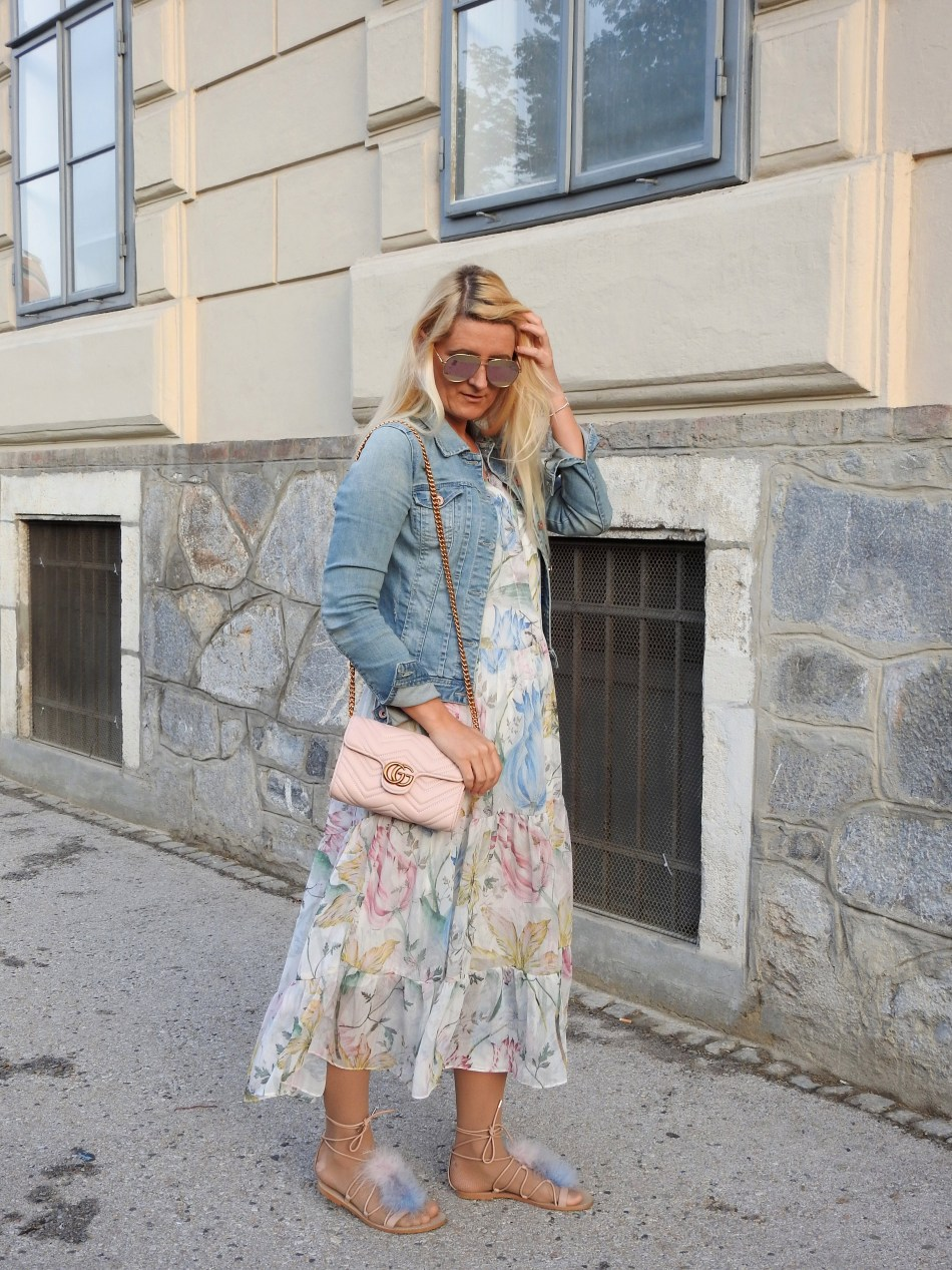 Maxidress-Floralprint-Sandals-Fur-Fakefur-Gucci-Bag-Denim-Jacket-carrieslifestyle-Tamara-Prutsch-Pink-Rose-Dior-Sunglasses