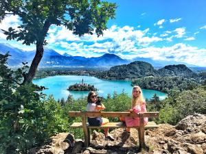 Ojstrica-Hill-Bled-Lake-Slovenia-Reisebericht-Reiseblog-carrieslifestyle-Tamara-Prutsch