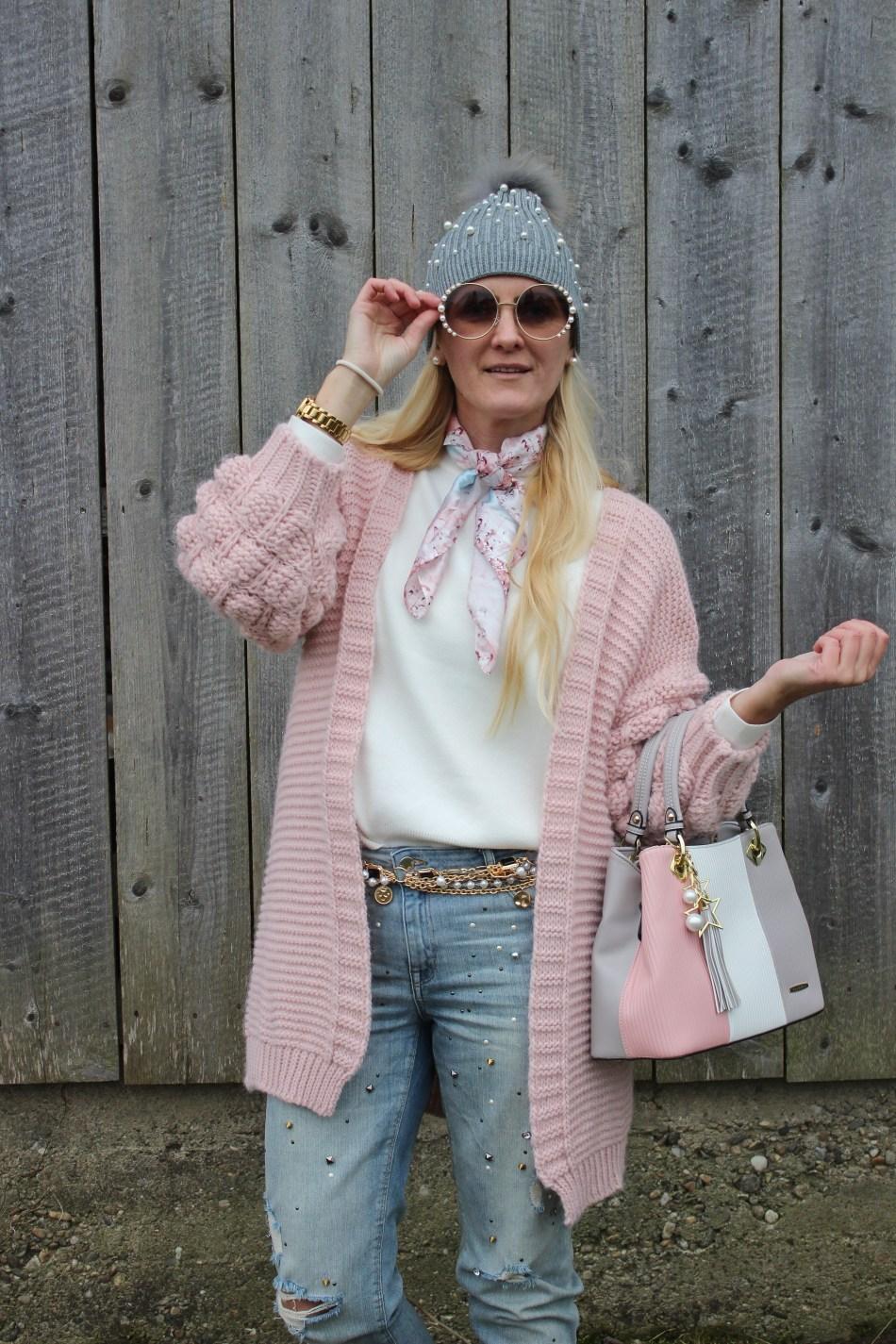 Pomelobest-Handbags-Shopper-Handtaschen-Rosa-Pink-Boots-Bugatti-Cardigan-Pastelllfarben-Chainbelt-Pearls-Perlen-Denim-carrieslifestyle-Tamara-Prutsch