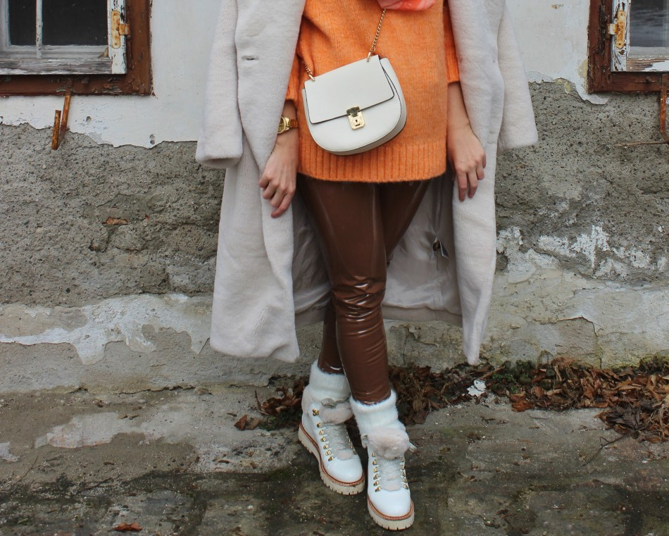 White-Fauxfur-Teddycoat-Chloe-Bag-Winterlook-carrieslifestyle