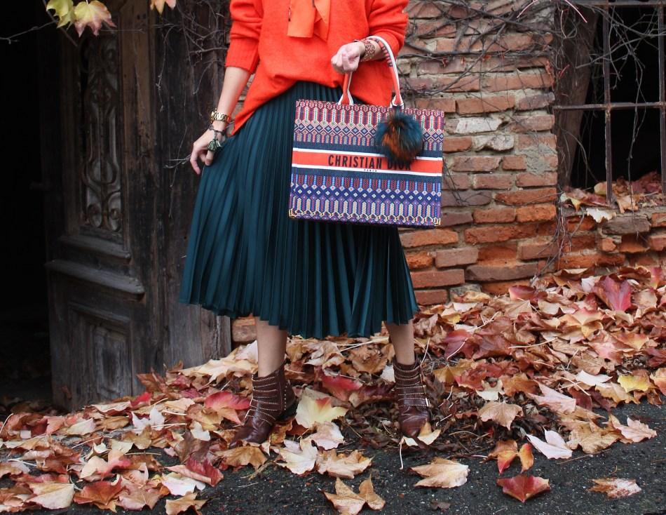 Plissee-Rock-Dior-Tote-Bag-Deichmann-Boots-Orange-carrieslifestyle-Tamara-Prutsch-Herbstlook-Fallfashion