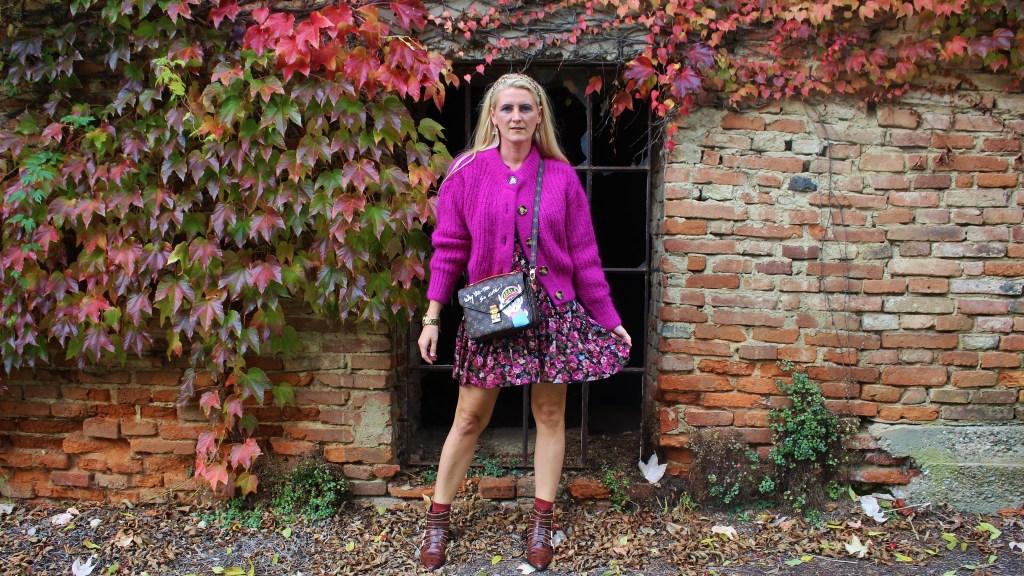 Cardigan-Floralprint-Dress-Boots-Deichmann-Studs-carrieslfiestyle-Tamara-Prutsch