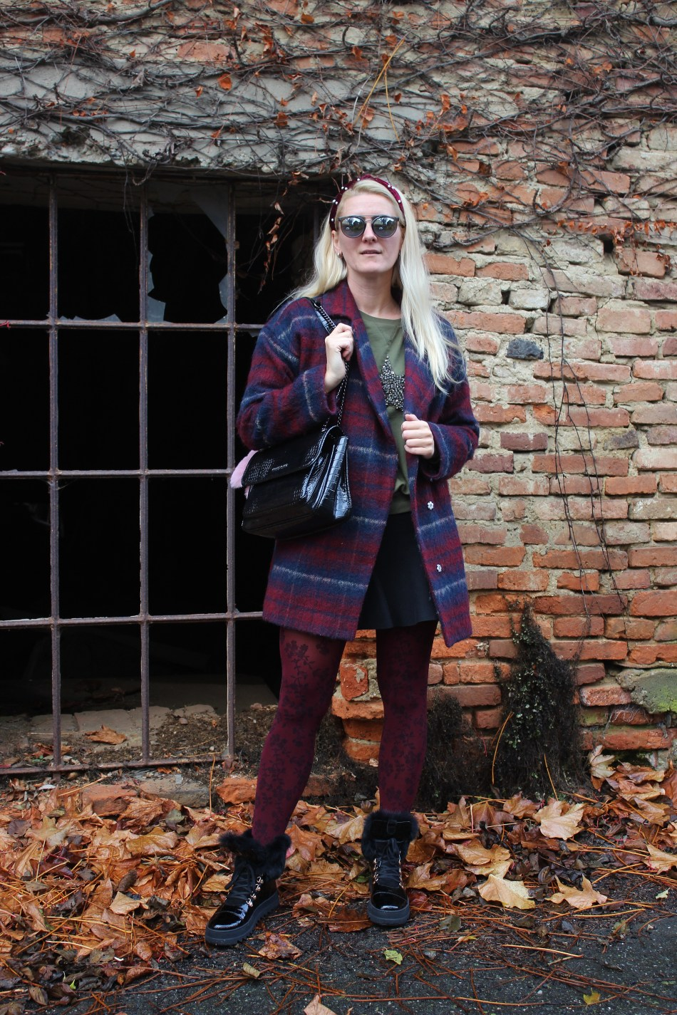 CCC-Shoes-and-Bags-Fur-Patent-Leather-Boots-Karo-Coat-Falloutfit-carrieslifestyle-Tamara-Prutsch