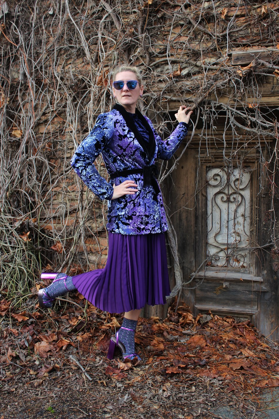 Silvester-OUtfit-Pailetten-Smoking-Blazer-Tulleskirt-Lilac-Sandals-Fashionsocks-carrieslifestyle