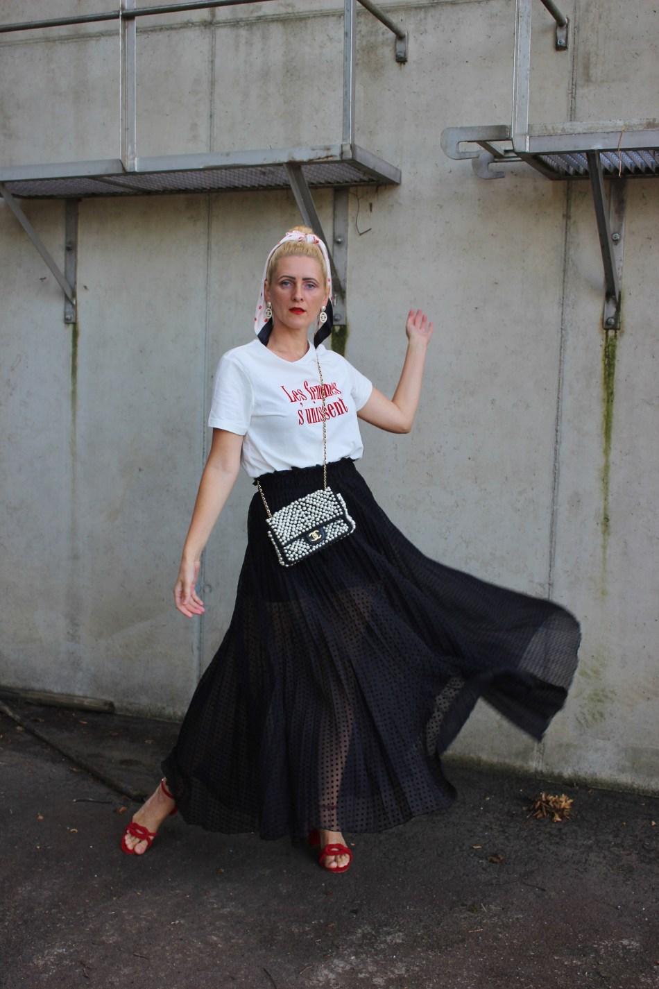 Valentino-Transparenter Rock-Transparenz-Chanel Perlentasche-Sandalen Rot Samt Gino Rossi-CCC Shoes and Bags-CCC Ambassador-Bloggerstyle-carrieslifestyle-Tamara Prutsch